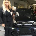 Loana choisit Espace Sans Permis 69 pour sa nouvelle voiture !